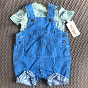 Short overall outfit